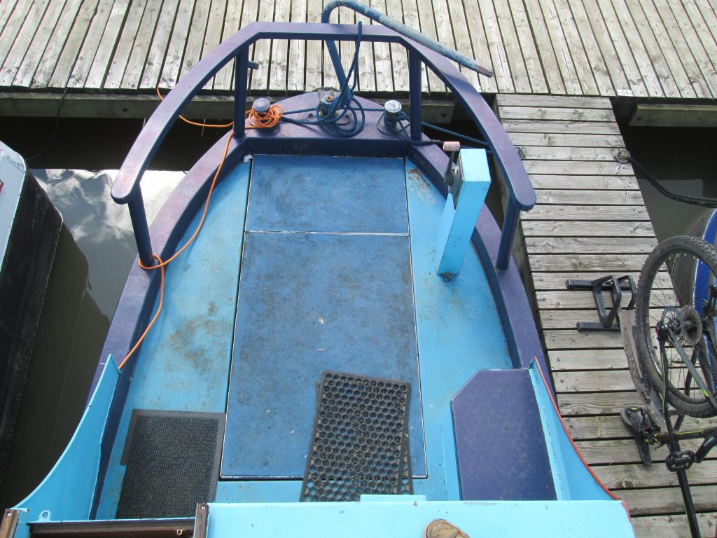 Narrowboat - cruiser stern