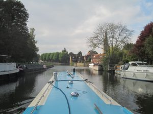 Mooring along the Thames
