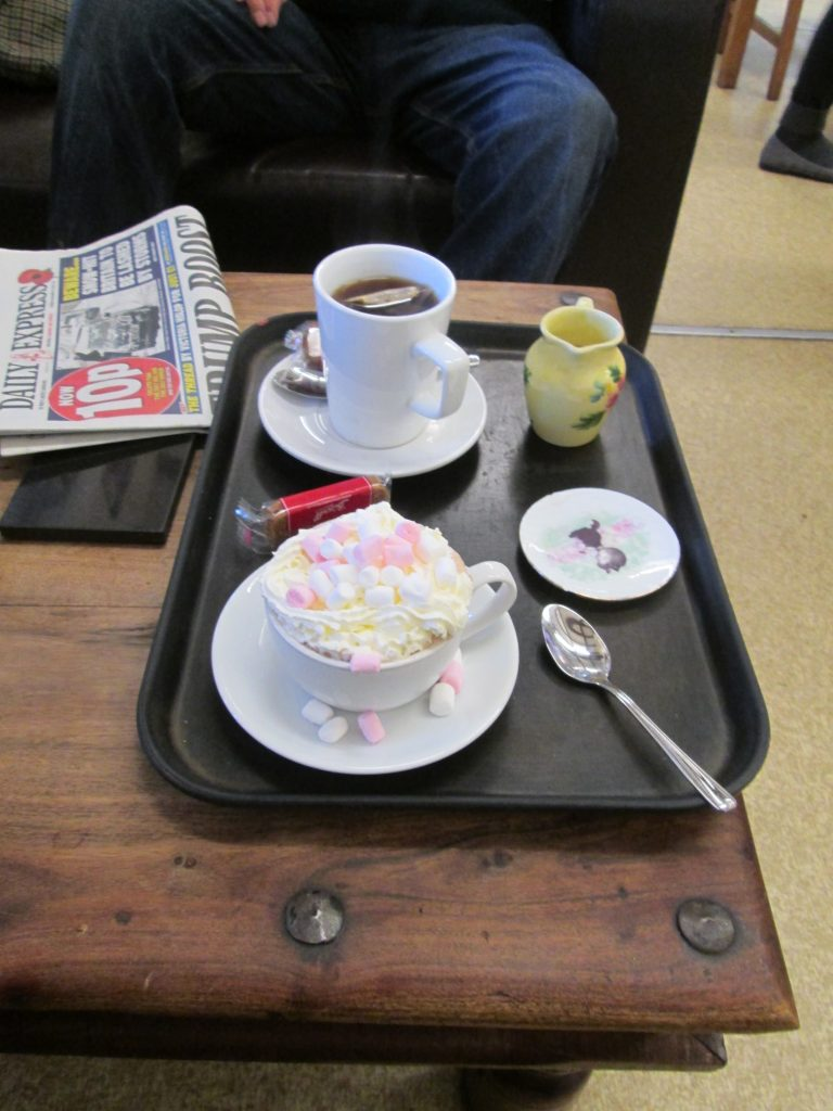 Coffee and hot chocolate at the Kennet and Avon Café