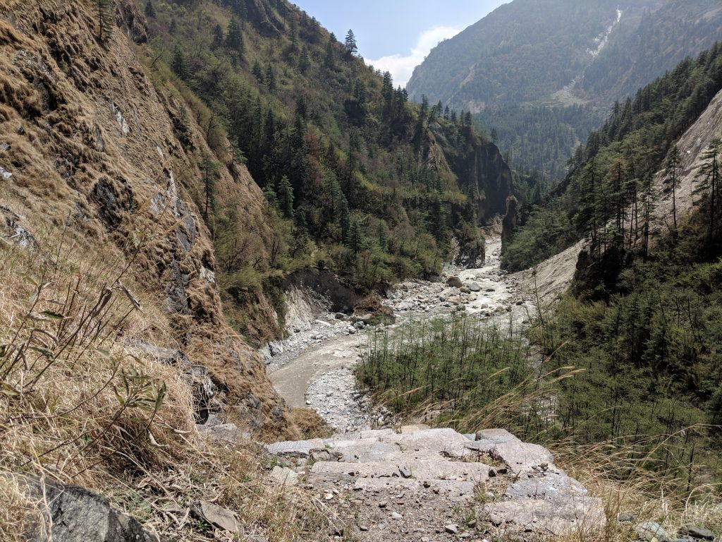 Annapurna Circuit trek between Kalopani and Tadopani