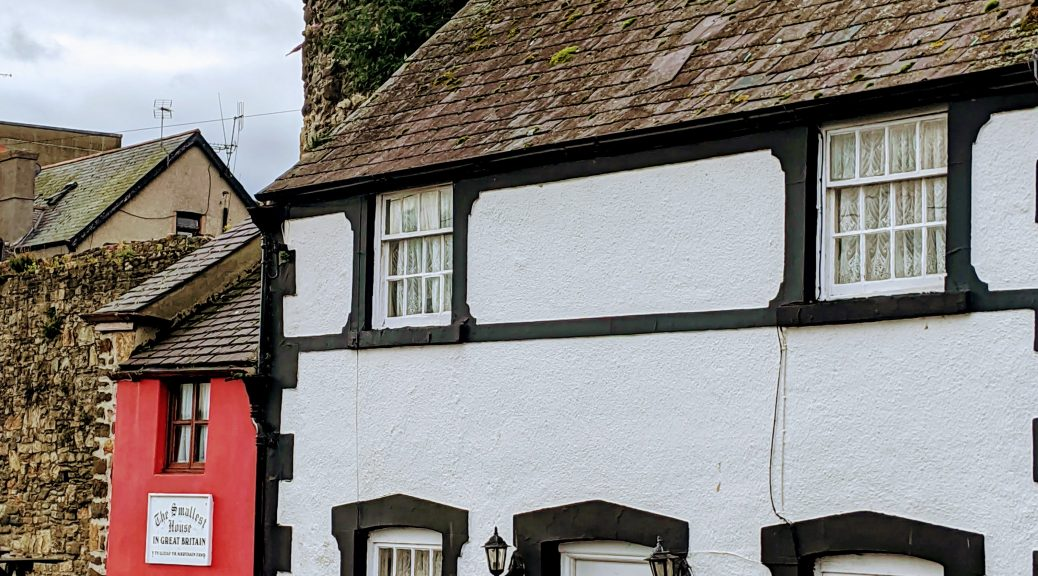 Uk's smallest house