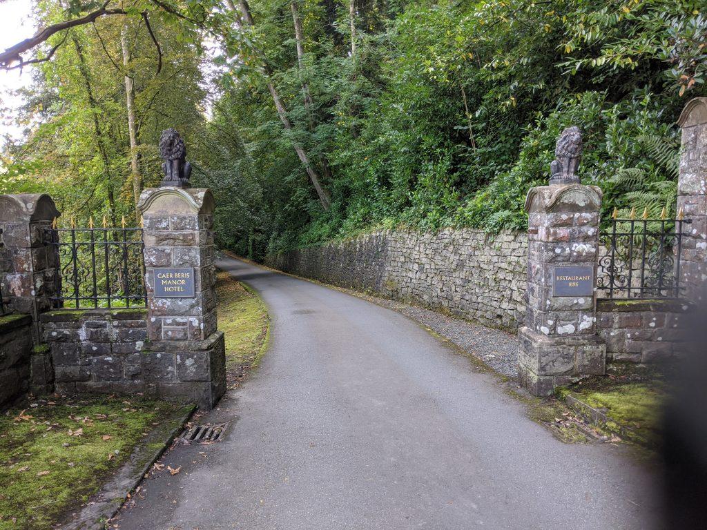 Caer Beris Manor Country House gates