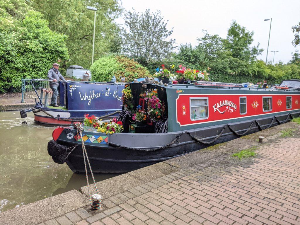 Flowery narrowboat Kalamazoo