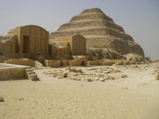 pyramids Saqqara_2416006280_l.jpg